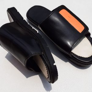 plastictagslippers01